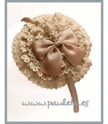 Diadema camel para el pelo con tocado redondo P5438-46